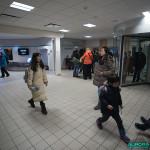 Arrivée du vol de 23h à l'aéroport de Kiruna, Suède