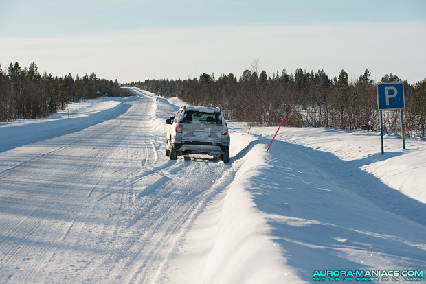 Parkings sur les routes de Laponie