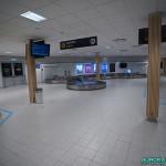 Salle d'arrivée, aéroport de Kiruna, Suède