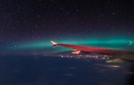 Les aurores boréales à bord d'un avion